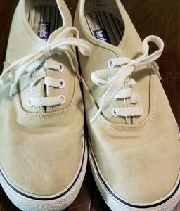 Womens tan/white Keds canvas shoes. Sz. 8